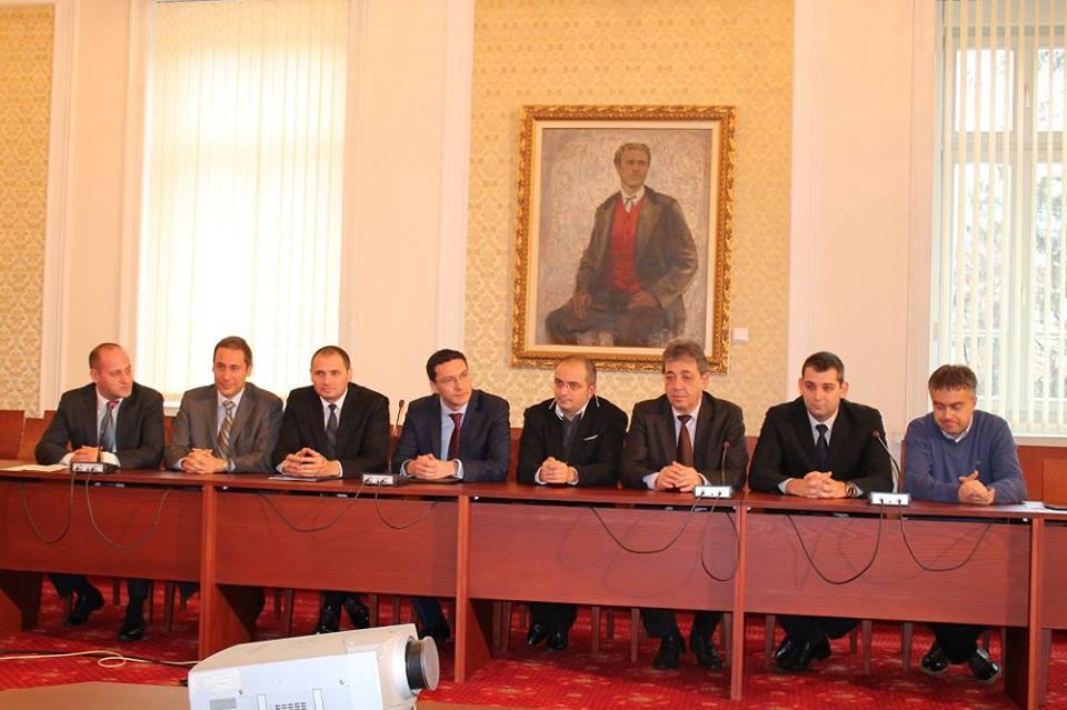 Тръст Синя България в Народното събрание